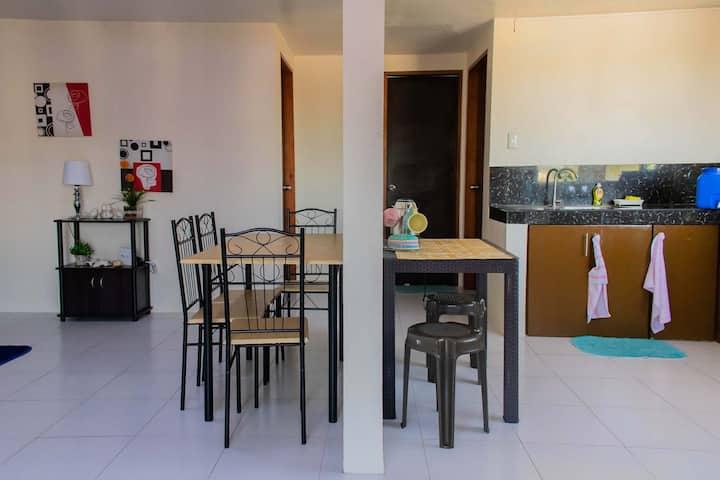 Alayon Apartment in Villa Arevalo