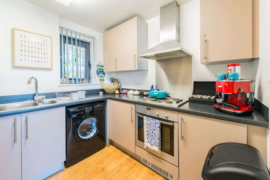 Welcome to use all kitchen amenities - no dishwasher!