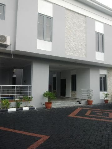 TIPTON HOUSE LEKKI, Furnished 2 Bedrooms Apartment - Lekki - Huoneisto