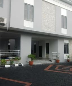 TIPTON HOUSE LEKKI, Furnished 2 Bedrooms Apartment - Lekki