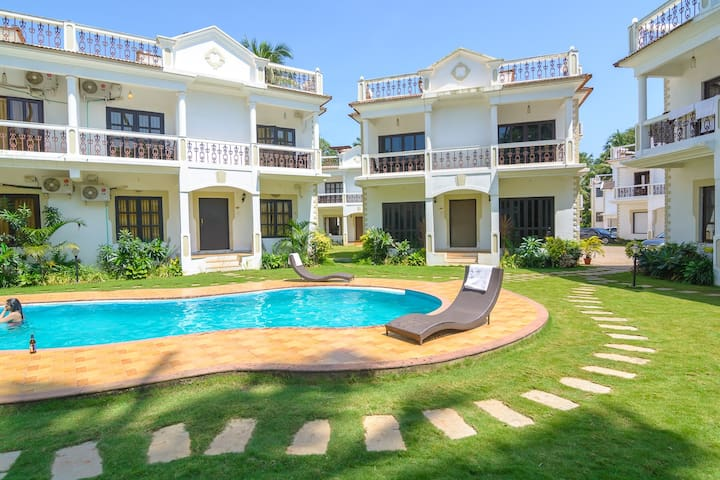 Deluxe 3 BHK Villa in Luxurious Resort at Saligao - Saligao - Apartment