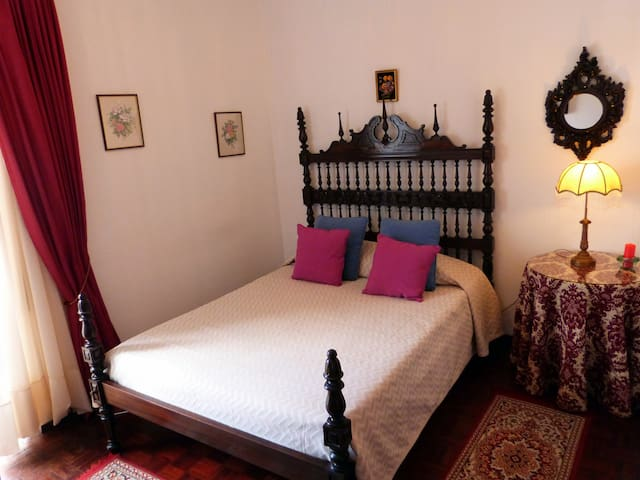 Classy double room (free wi-fi) - Lagos - House