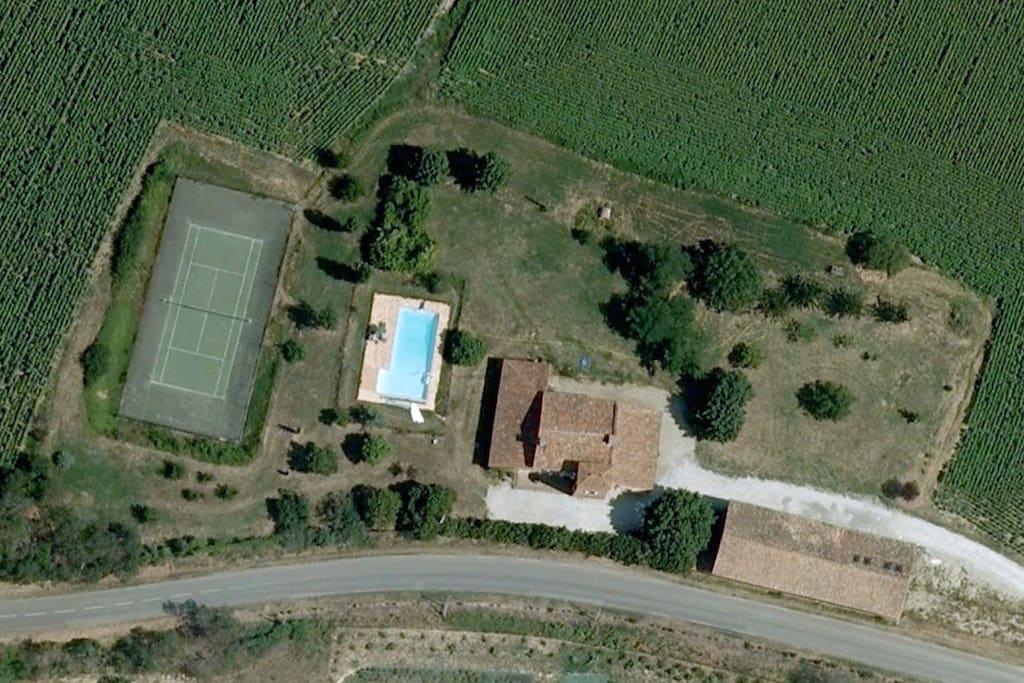 Vue aérienne de la propriété