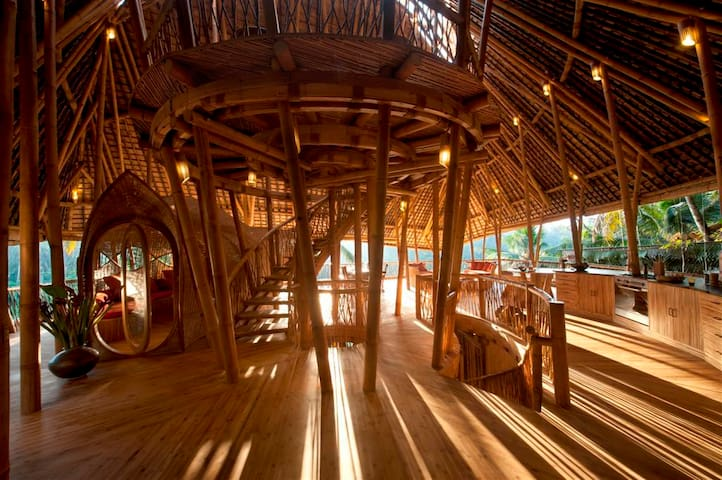 Stunning All Bamboo House by River - Abiansemal