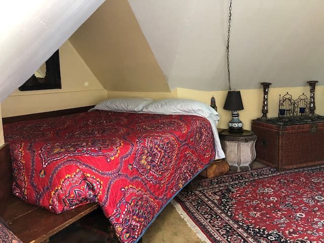 Exotic Moroccan Room in Downtown Victorian