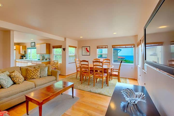 15% OFF THRU APR - Del Mar Seaside Cottage w/ Ocean Views