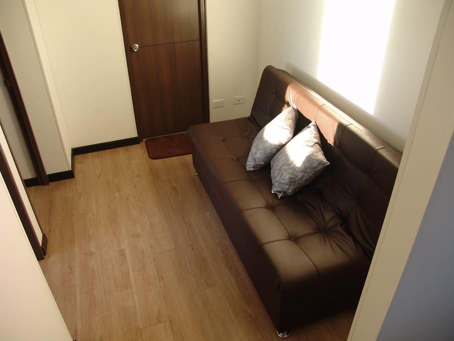 Hallway a los cuartos y baño