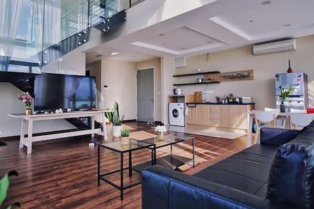 Luxury Seaview Duplex Suite near Imago