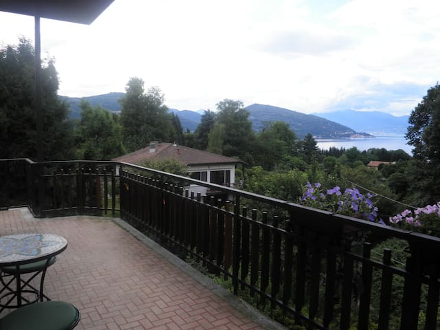 Flat on Lago Maggiorre - Ranco - Appartement