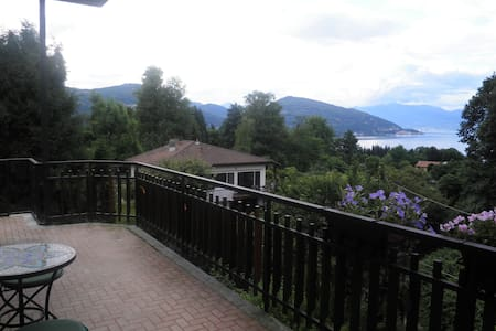 Flat on Lago Maggiorre - Apartmen