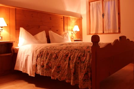Mountain House: October---> OFFER - Cortina