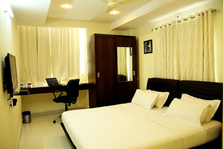Premium Executive Room,Gachibowl - Hyderabad - Oda + Kahvaltı