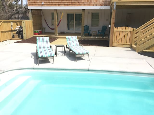 Pool Side Retreat, Heated Pool, Walk to Beach - Nags Head - Appartement