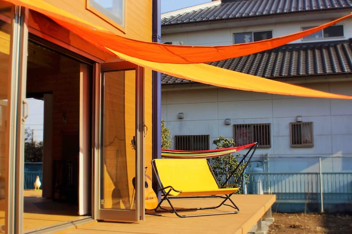 在成田機場附近,新築木香飄逸的陽光木屋