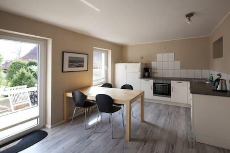 Ferienwohnung Berta, mit Terrasse - Hiddensee - Apartment