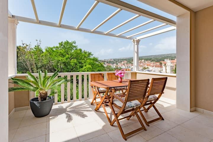 Apartments   Sunny  Days  A1 -  Superior