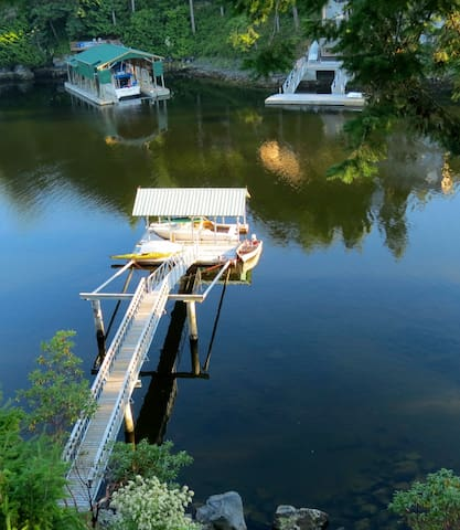 Secret Cove's Bird's Nest - Halfmoon Bay - House