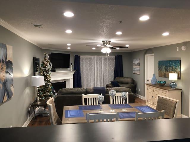 Ultimate 2 bedroom condo Thousand Hills Foothills