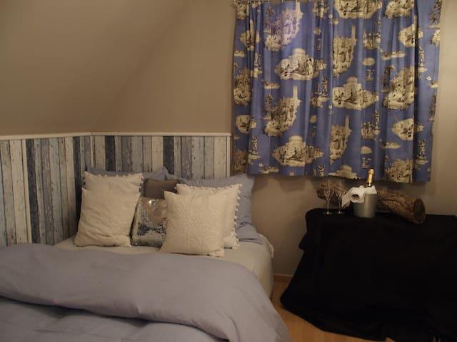 """Einfaches Zimmer """"Monaco"""" - Gilching - Dům"""