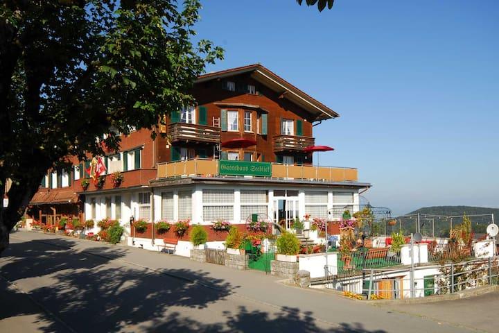 Gästehaus Seeblick auf der Sonnenterrasse Aeschi