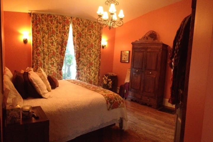 Historic Charmer Master Bed & Spa - Cookeville - B&B/民宿/ペンション