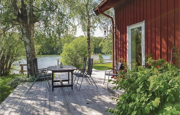 Holiday cottage with 3 bedrooms on 104m² in Lödöse