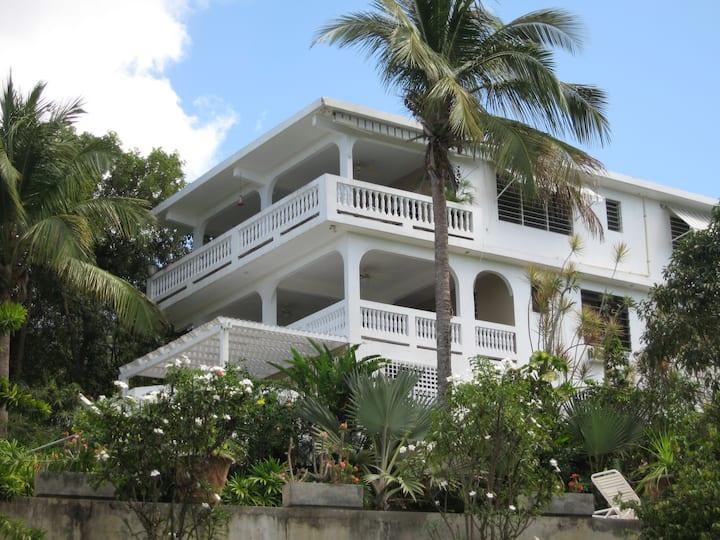 Casa Anonna - Hidden oasis & Stunning ocean views