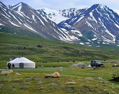 Yurt in the Wilds of Mongolia - Khushuut - Rundzelt