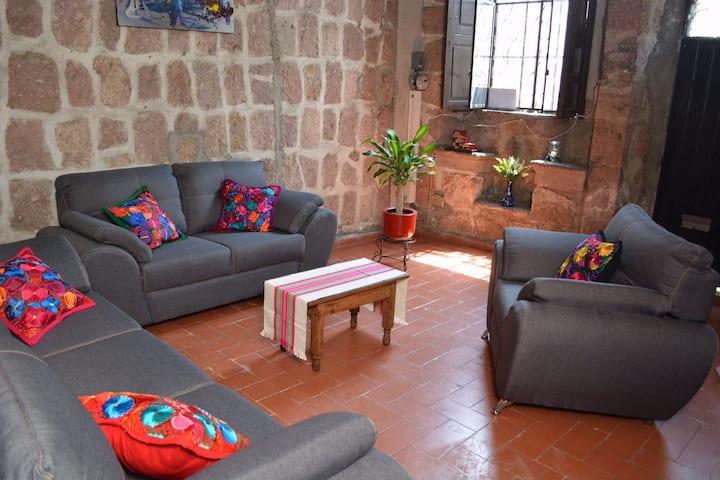 Confortable casa colonial en el centro de Morelia