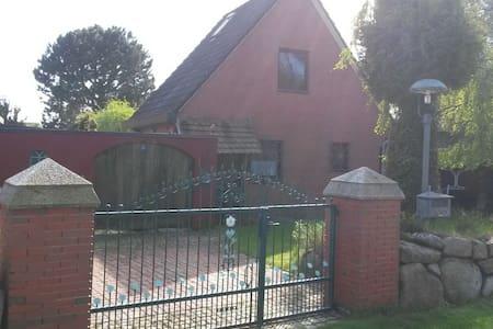 Schönes Haus in Heidkate/Ostsee - Wisch - Rumah