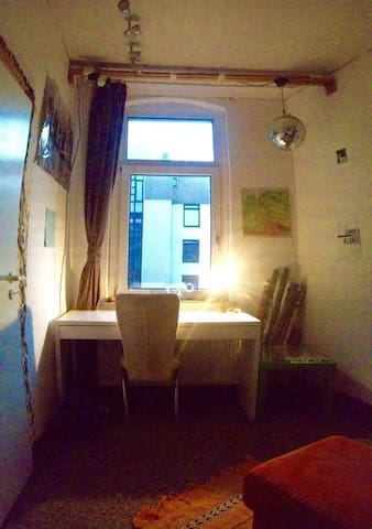 Alternative Künstlerwohnung in city centre - Braunschweig - Appartement