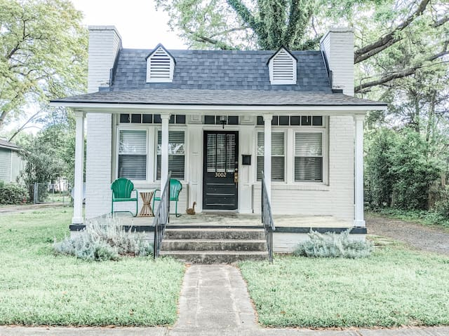 Grocer Cottage Getaway ☆ Downtown Cola☆