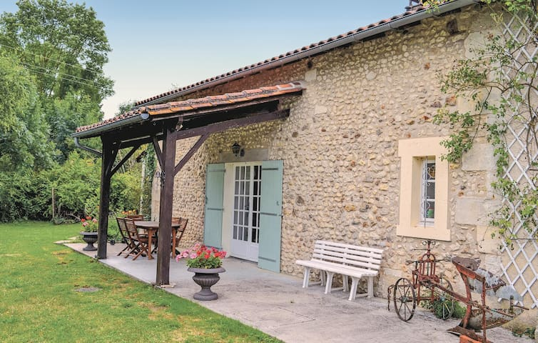 Holiday cottage with 3 bedrooms on 135m² in Vanxains