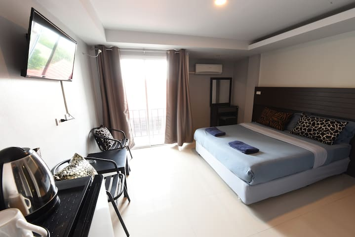 The Avail DOUBLE BED ( ROOM ONLY ) - Phra Nakhon Si Ayutthaya - Apartment