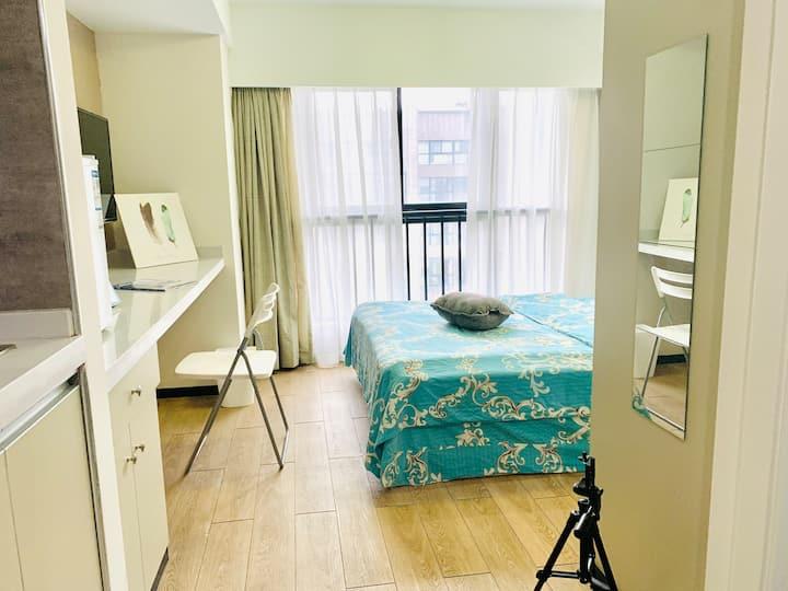 简单温馨舒适朝南一室,独立卫浴