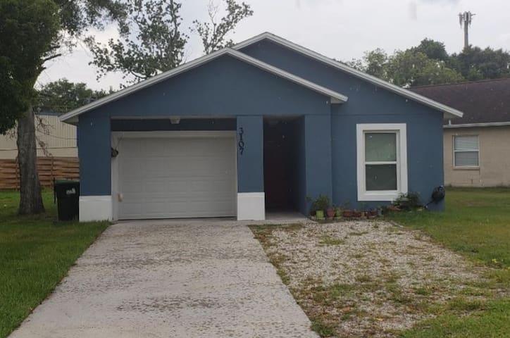Cottage Blue Cozy 1/1