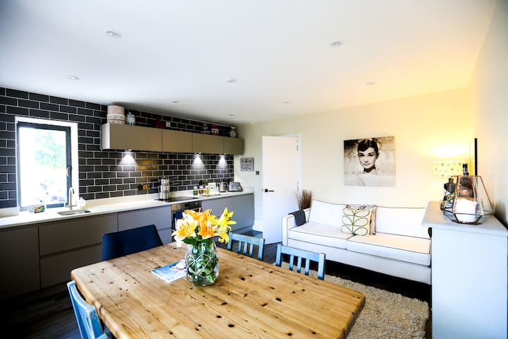 The Annex-Stylish & Spacious, near NT & Brighton