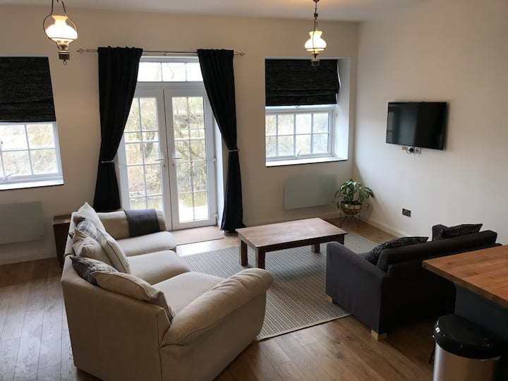 1 Bed river apartment on the docks