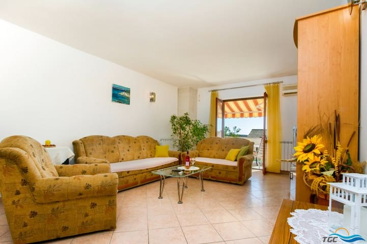 Excellent two bedroom apartment in Pag - Simuni - Apartment
