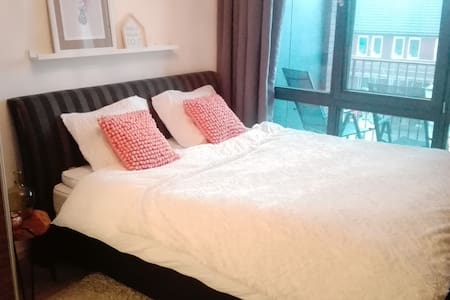 luxury private apartment near 's-Hertogenbosch - Uden - Apartamento