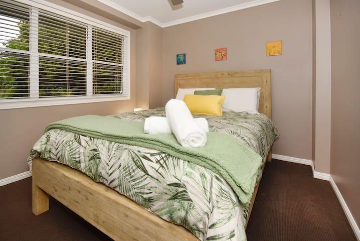 Bedroom 4: Queen Bed (downstairs)