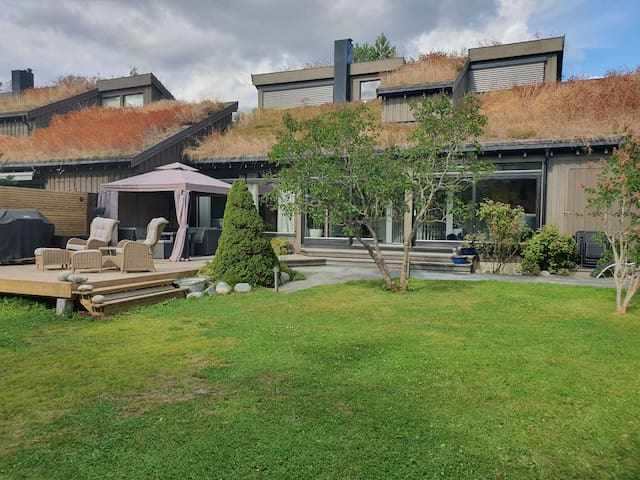Great studiohouse, with large and quit garden.