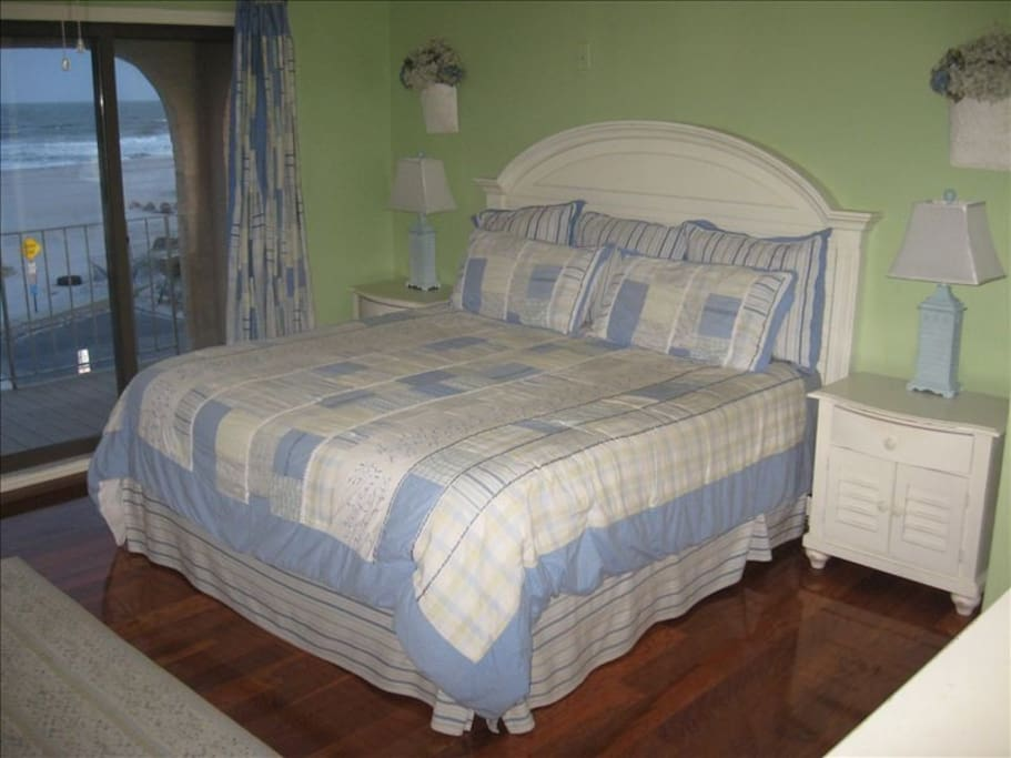 "Master Bedroom with King size bed and endless ocean views and 40"" flat screen TV."