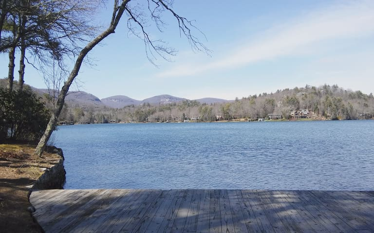 700 feet of Lake Front Paradise and private too. - Lake Toxaway - House