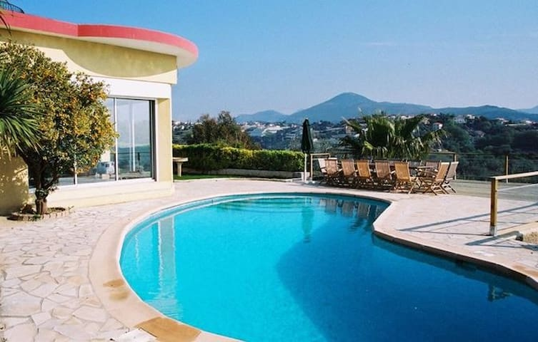 French Riviera Villa, Ref. CANV604, Pool