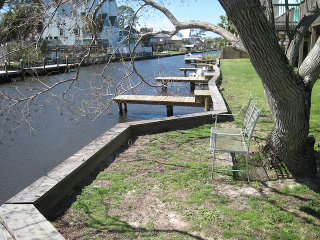 2 BR Canal Front Great LOCATION  -Beach Open May 1