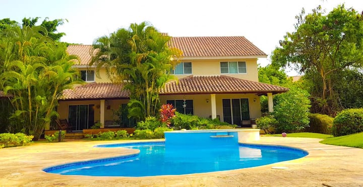 Beautiful house at Metro Country Club - Town House