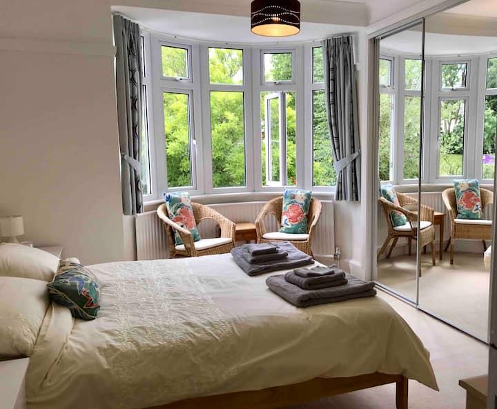 En-suite double room near Severn Valley Railway
