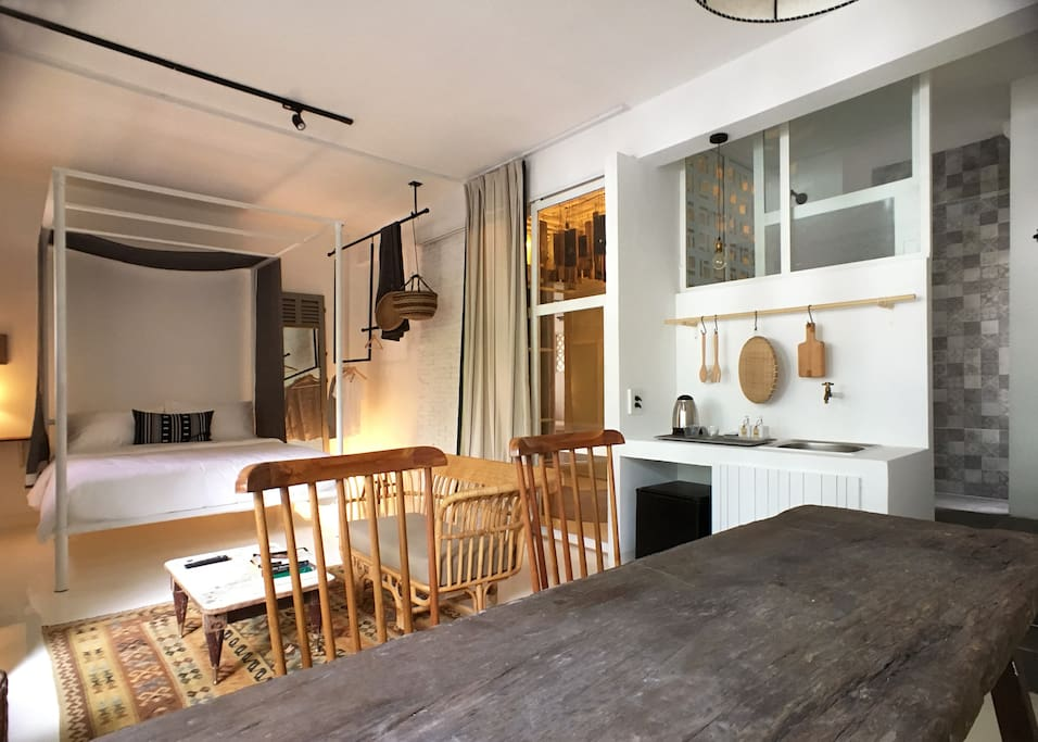 Perfect apartment for friends & family - comfortably sleep up to 4 people.