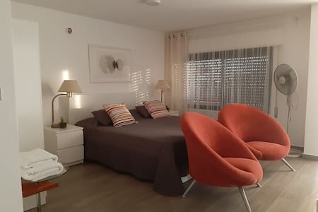 Carmen's Place:Private Central Studio w/Balcony 5*
